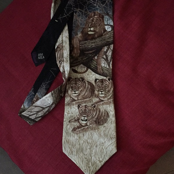 Marc Dennis Other - King of Beasts all silk  tie the EUC